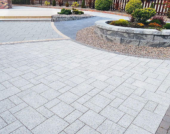 3's Mixed Size Paving in situ