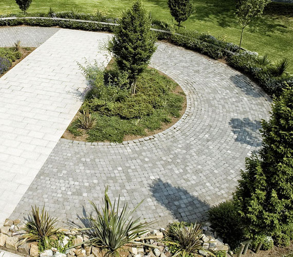 Country Cobble® Paving in situ